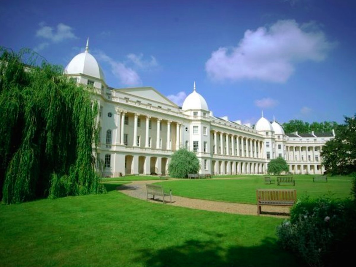 1: London Business School – 5%. A whopping one in twenty graduates from London  Business School go on to take a leadership role in company, topping Emolument's chart.