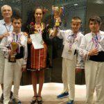 Българчета се върнаха със златен и сребърен медал от международно състезание по математика в Хонг Конг