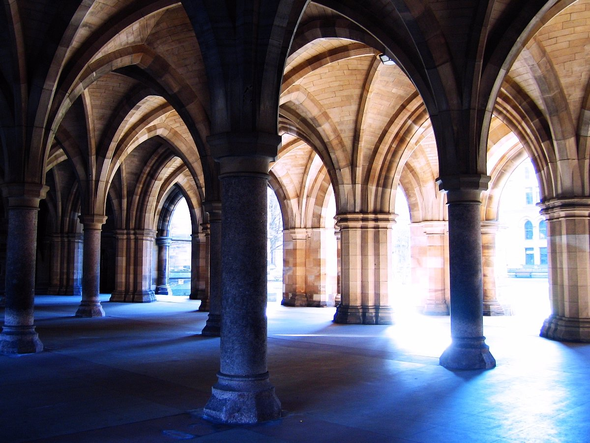 3-travel-north-to-take-in-the-sweeping-archways-at-the-university-of-glasgow-the-archways-form-the-entrance-to-the-hunterian-museum-and-art-gallery-the-oldest-museum-in-scotland