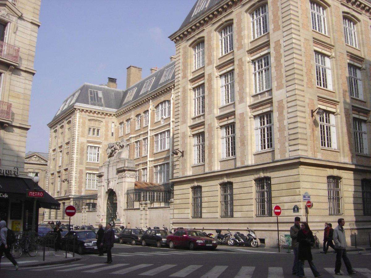 17-ecole-centrale-paris-france--81000