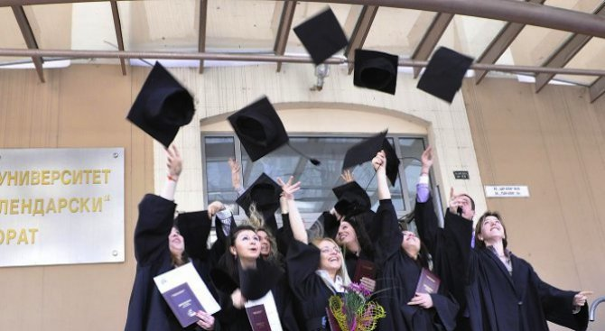 vypreki-stimulite-studentite-v-tyrseni-ot-biznesa-specialnosti-namalqvat-409920