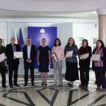 """Министър Кунева връчи наградите """"Константин Величков"""" на осем учители"""