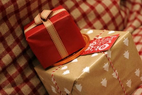 christmas-present-ribbon-card-gift-christmas