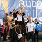 Параолимпиецът Михаил Христов награждава победителите от Олимпиадата на Американския университет