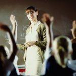 Увеличиха учителските заплати с 15%