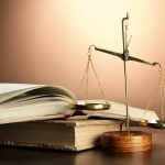 Право ще се учи и задочно още една година