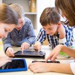 МОН пуска портал с електронни учебници и помагала