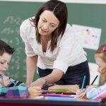 90 000 учители ще взимат по-голяма заплата от средната за страната