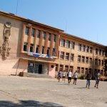 Рухна част от гимназията в Хасково + Видео