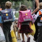 Пуснаха 2,9 млн. за шкафчета, за да олекнат раниците на 200 000 деца