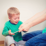 Най-голямата грешка на родителите е, че се опитват да спестят трудностите на децата си