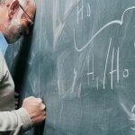 Уволнете учителите!  Те са излишни! Аз съм учител и го казвам.