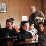 Стартовата учителска заплата става 920 лева от 1 януари