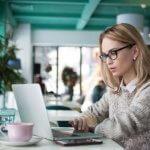 Полезни съвети – Възможно ли е да учиш и работиш в чужбина
