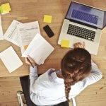 Възможно ли е да учиш и работиш в чужбина?