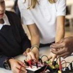 МОН ще мотивира децата към инженерни науки