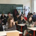 Приемането на ученици над утвърдената бройка – масова практика