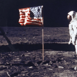 Начална учителка: Човек никога не е стъпвал на Луната