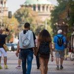 Младите хора в България намаляват с около 40 000 на година