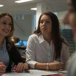 Две бизнес студентки на Fontys Venlo на стаж в холандска община