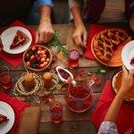 Преяждането по празниците води до щастие, не е проблем