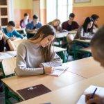 Генерираха изпитния вариант за матурата по български език и литература между 11 млн. комбинации