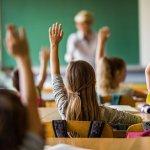 МОН облекчава учителите свободно да планират работата си в клас
