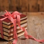 Защо книгата е най-подходящият подарък за Коледа!