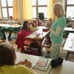 1085 лева става основната учителска заплата от догодина