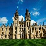 Правителството на Великобритания трябва да ограничи приема на студенти