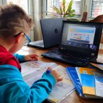 Социално слаби ученици ще получат лаптопи на стойност 1 милион лева