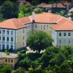 Близо 400 незаети места в гимназиите във Великотърновско