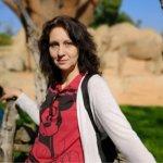 Десислава Цокова преподава химия с видеоуроци
