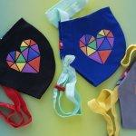 Емотикони и супергерои ще красят маските на децата във варненски училища
