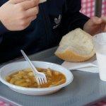 Инспектори и районни кметове проверяват храната в училища
